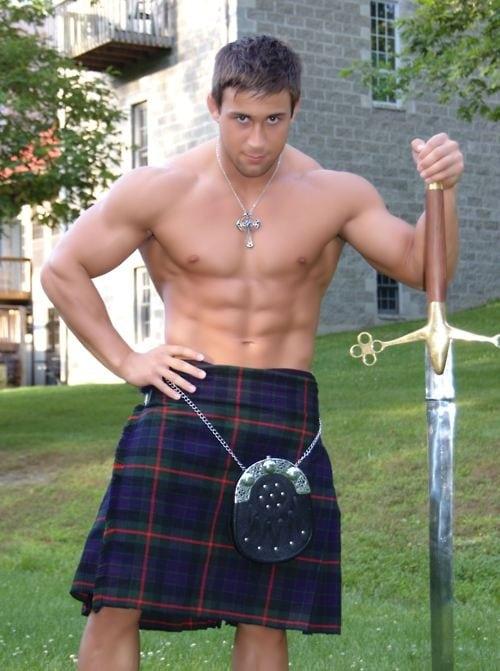 Sexy scottish men in kilts