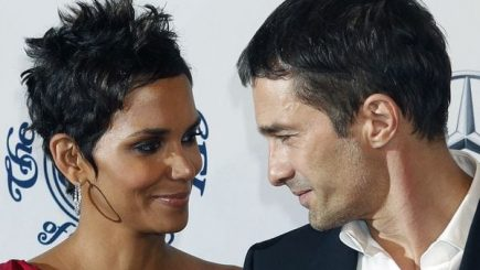 dating, spit ups, rumors, divorce, bad patterns, therapy, couples, Halle Berry, actress, Oliver Martinez, marriage, split, Hollywood,