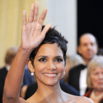 LAwD, BEgeeZUS! Halle Berry Waves Buh Bye to U.S., Wants Nahla to Forget Her Daddy