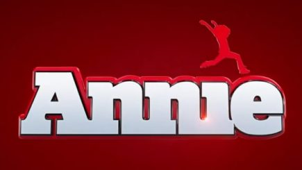 movie, trailer, Quvenzhané Wallis, Jamie Fox, remack, adoption, orphan, Broadway, musical, white girls, black girls, Hollywood, actress, Annie,