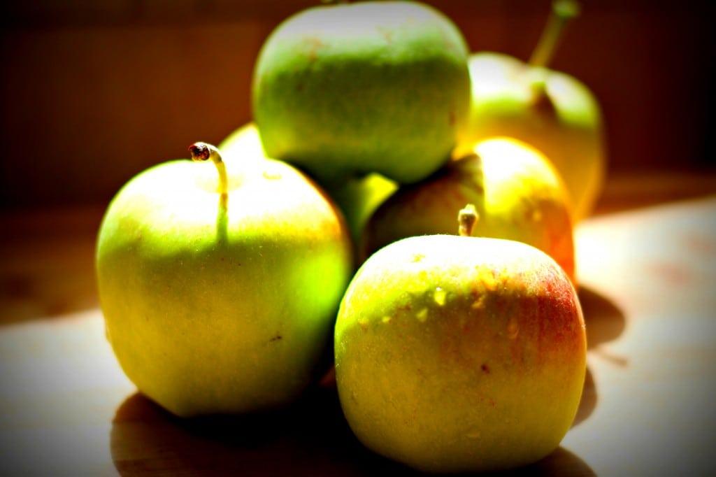 apples bunch
