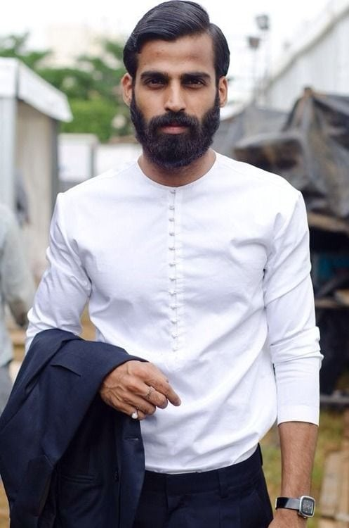 man candy monday, sexy guys with beards, sexy guys with bald heads, bald headed men, hot guys with beards, hot guys with bald heads, entertainment, flirting, dating, relationships, non black men, interracial marriage, swirling, diversity,
