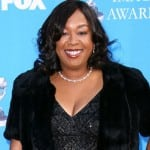 Shonda Rhimes Hands NY Times WW Writer Her Hindquarters on Social Media