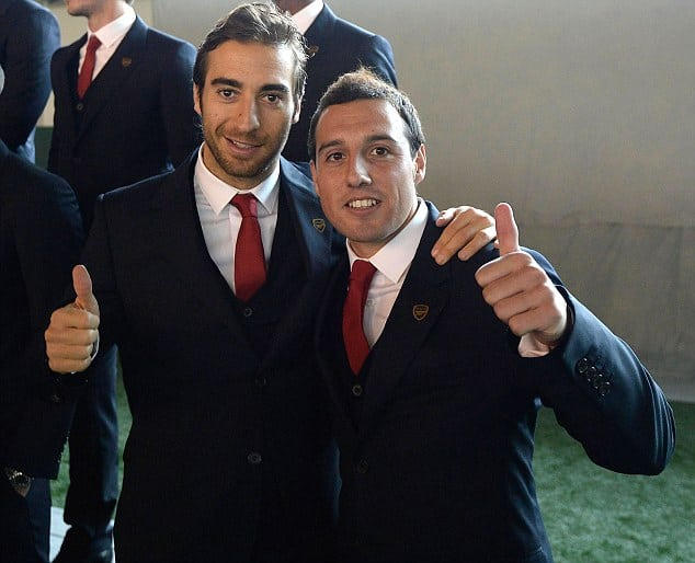 Arsenal Players Pose in Their New Club Suits