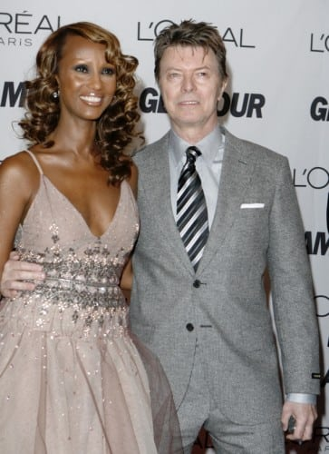 model-iman-poses-with-her-husband-david-bowie-as-the-pair-arrive-for-the-2006-glamour-magazine-women-of-the-year-honors-award-show-in-new-york-city-october-30-2006