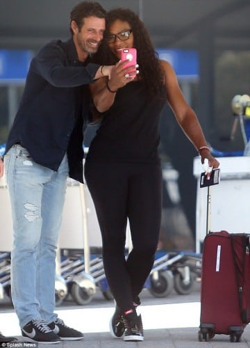 24626F8D00000578-2895238-Say_cheese_Serena_Williams_and_Patrick_Mouratoglou_pose_for_self-m-3_1420278175571
